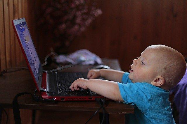 Számítógép baba